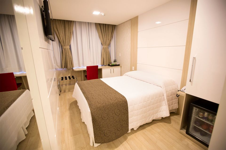 Holiday & Business Hotel -